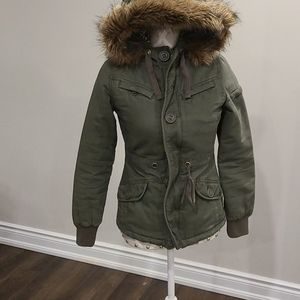 Aritizia Talula green military jacket
